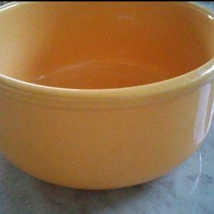 Glossy Sunflower Yellow Bowl NWOT